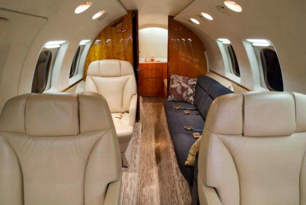 hawker-800xp-interior-2